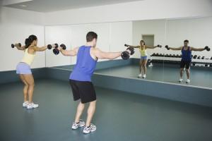 Зеркала в спорт зал