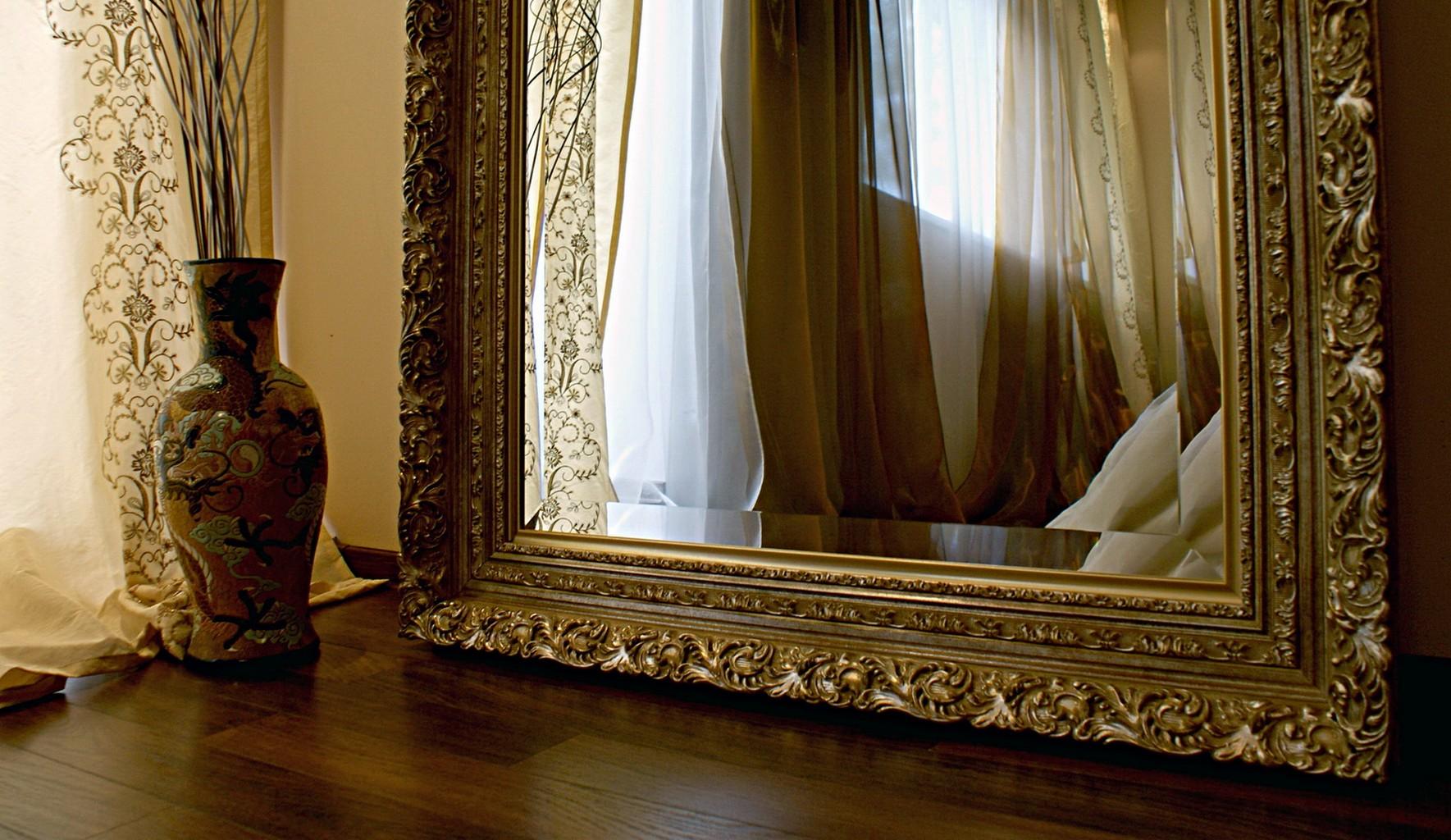 Картинки по запросу Деревянный багет для зеркал