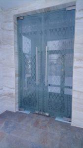 Производство стеклянныех дверей в Рязани