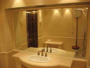 Зеркало с фацетом в ванну